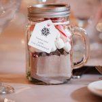 DIY hot chocolate wedding favor for winter weddings