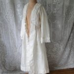 CIRCA 1860,FINE LINEN COAT/ROBE WITH PAGODA SLEEVES,MRS.WARD THORON  BEQUEST,MUSEUM DEACCESSION