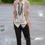 30 Comfy and Chic Fall Outfit Ideas To Inspire You (19)