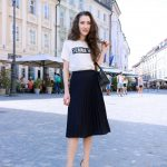 Fashion Blogger Veronika Lipar of Brunette from Wall Street on how to style  pleated midi skirt