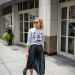 Street style 2017 fashion trends: pleated skirt