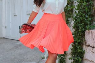 Summer Outfit Idea with Pleated Skirt