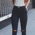 This mock neck top and black ripped skinny jeans outfit is so cute!