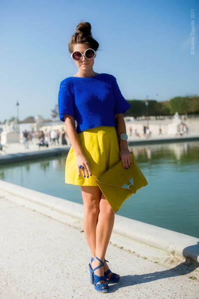 Tops With Yellow Skirts