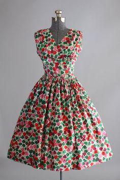 Vintage Dresses Best Combinations