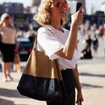 19 Ways To Wear A Tote Bag (4)
