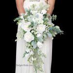14 amazing white wedding bouquet photos you will love