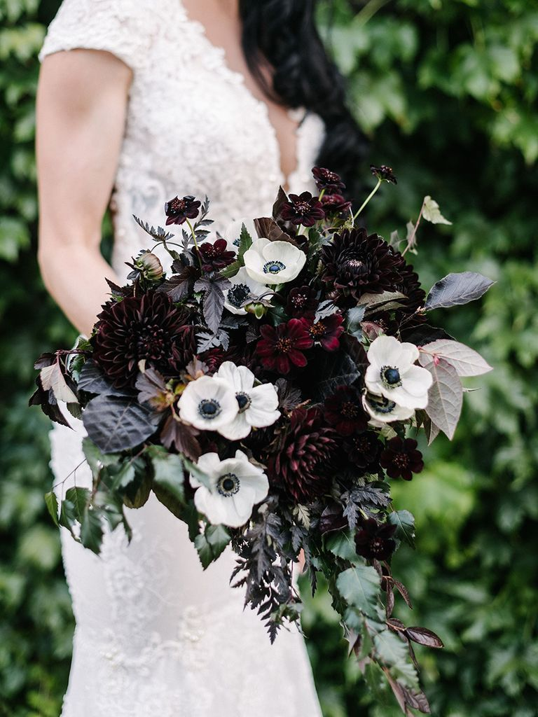 15 Fall Wedding Bouquet Ideas and Which Flowers They're Made With