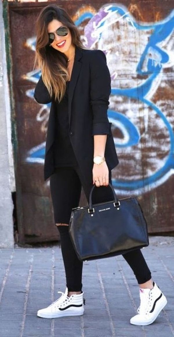 15 Outfits with black color to shine this winter 2018