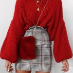 STREET STYLE WAYS TO WEAR A FALL SWEATER NOW 2019 - Page 16 of 40