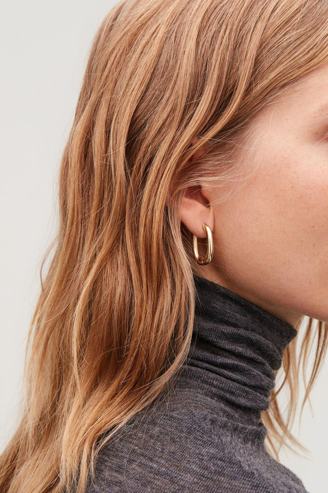 Mini Bar Stud earrings in 14K Gold fill, short gold bar stud, gold fill bar post earrings, gold bar earring, minimalist jewelry