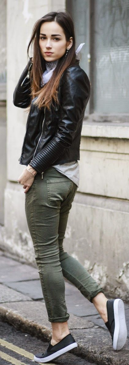 20 Looks para llevar un pantalón verde militar