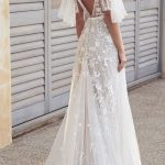 2020 Romantic White Flower Appliques Wedding Dress,Lace Long Bridal Dresses,Wedding Dress
