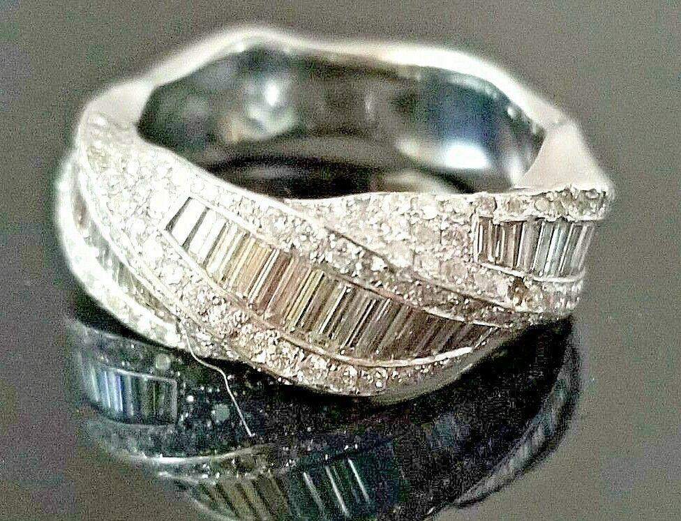 2TCW Fashion Round VS Diamond 18k Heavy white gold ring/band