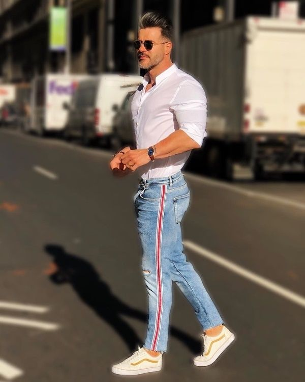 30+ Blue Jeans And White Shirt Outfits Ideas For Men