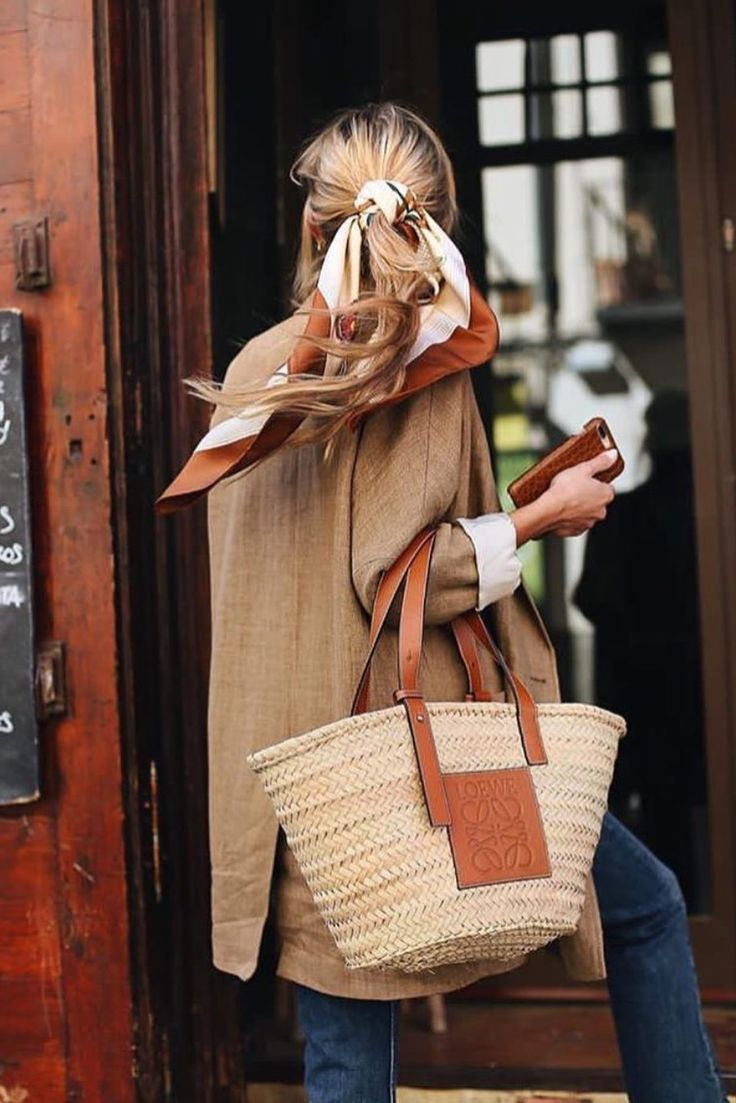 4 Chic Ways To Wear A Hair Scarf This Summer – #bags #Chic #Hair #scarf #Summer …