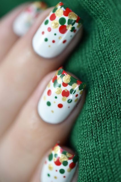 40+ Simple Dots Nail Art Ideas 8