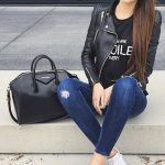 50+ casual outfits ideas with jeans for women #dailyfeedpins.com #jeans #jeanso