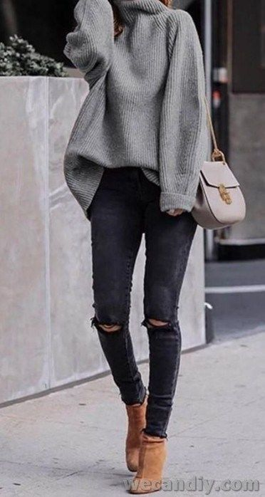 8 Casual Outfits You Should Wear To Look Younger