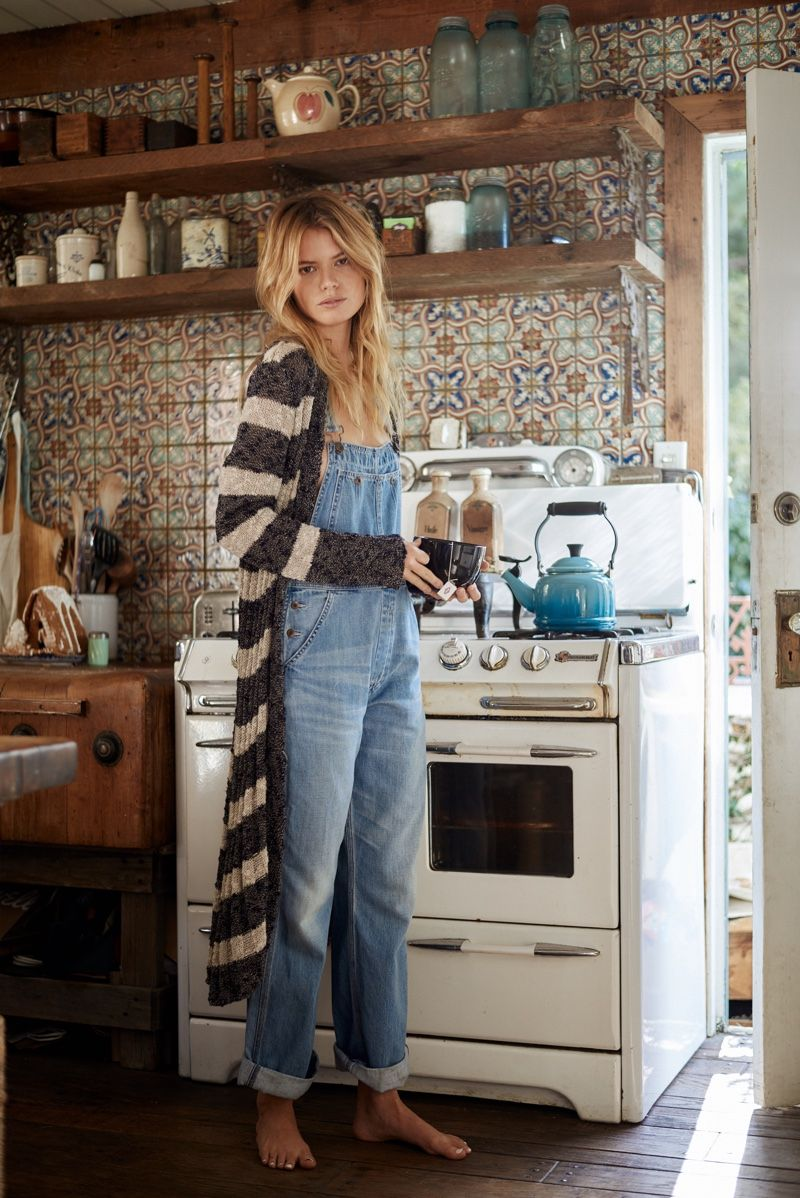 A Very Hippie Holiday: Free People Shows How to Lounge in Style