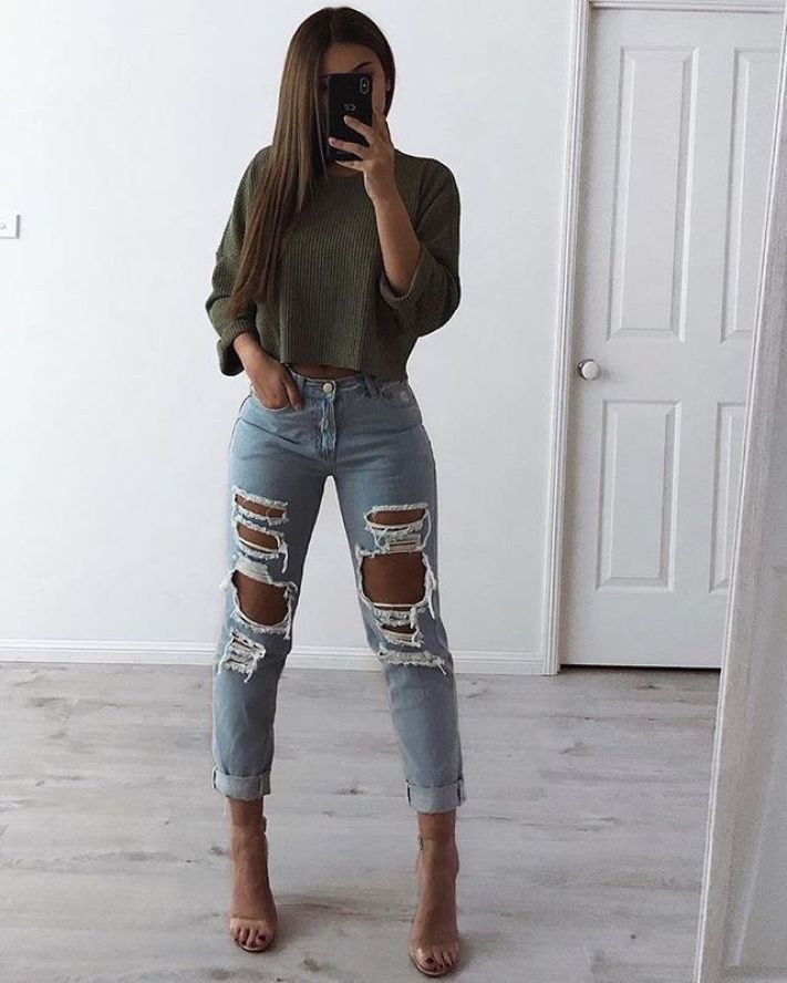Awesome Ideas How To Wear A Ripped Jeans This season – Denim Tee , ripped jeans …