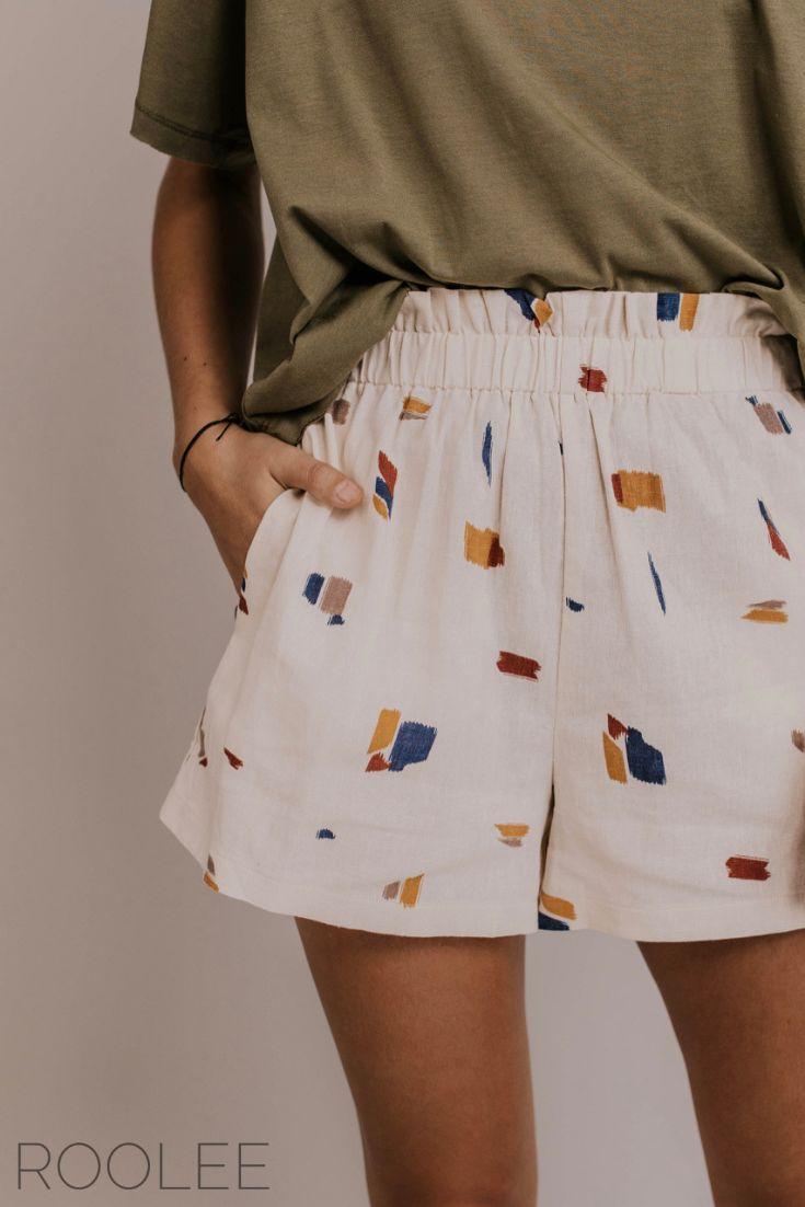 Bequeme kurze Outfit-Ideen. Inspiration für den Strandtag. Urlaubsshorts für Frauen