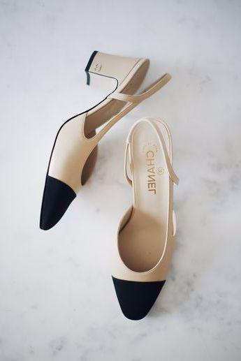 Chanel slingbacks. Chanel Slingback Talons. Talon noir. Nu #shoe #shoes #womensh…