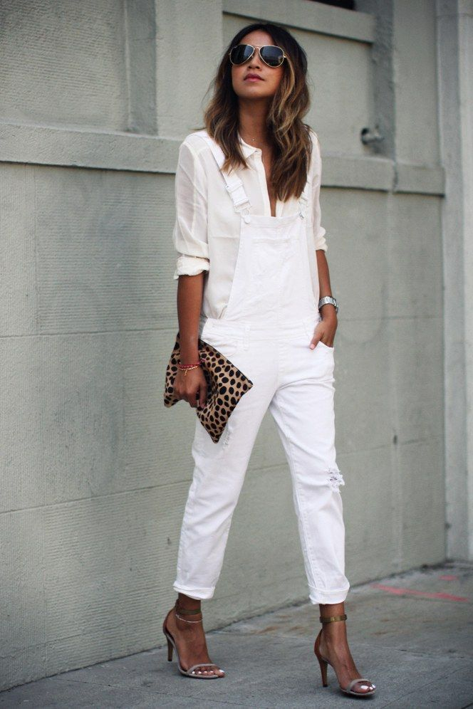 Click for new ways to wear white jeans. Give your skinnies a break in favor of o…