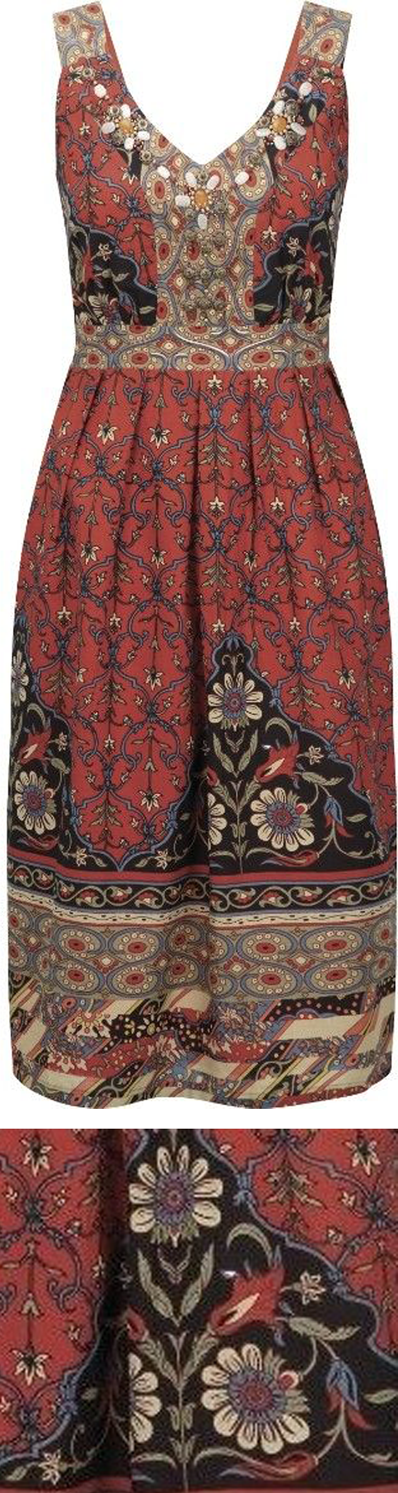 Cute plus-size folk-inspired printed dress for fall 2014 – with closeup of flora…
