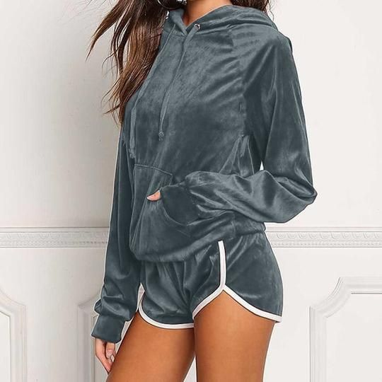 Diamond Velvet Women's Sets Autumn Sweatshirt Shorts Set 2018 Female Winter Hoodies Tracksuits Pullovers Hooded Outerwear GV1049