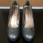 Eva & Zoe Silver Glitter Heels - Size 10