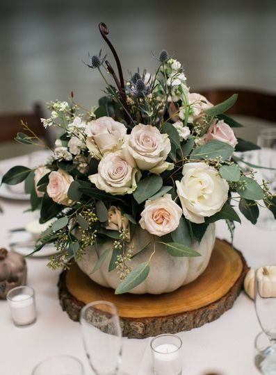 Fall wedding centerpiece idea – pumpkin and floral wedding centerpiece on tree s…