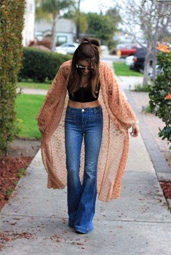 Flare Jeans Outfit Ideas
