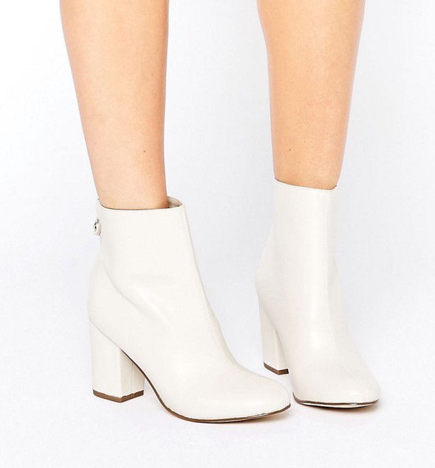 Fresh, all-white booties that Twiggy definitely rocked during the '60s. | 26 A…