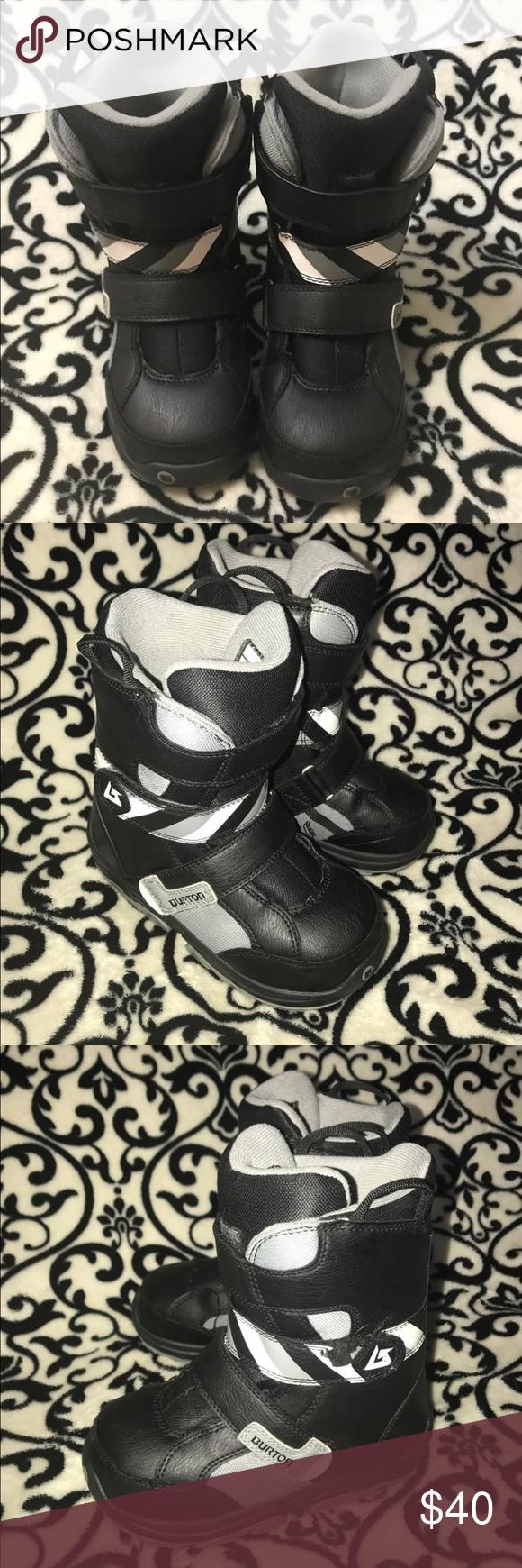 GUC boys 3 Burton Snowboard boots GUC boys size 3 Burton Snowboard boots. Back o…