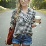 Gingham Clothes - Street Style Chics - Tortoise shell round eyeglasses