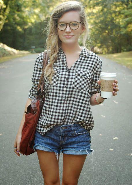 Gingham Clothes – Street Style Chics – Tortoise shell round eyeglasses