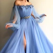 Gorgeous Appliques Lace Wedding Dresses,V-Neck Tulle Sweep Train Romantic Bridal…
