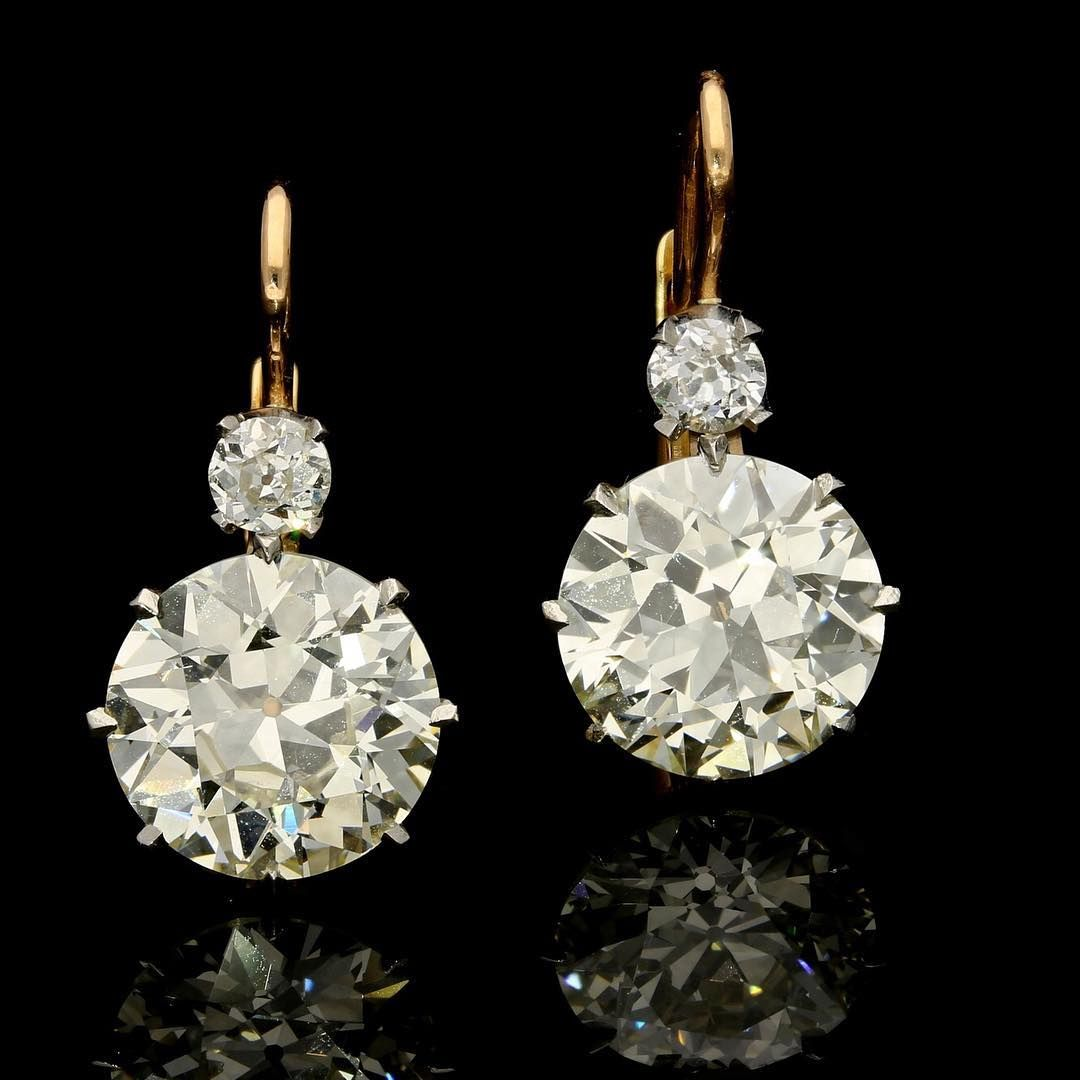 Incredible new arrival in she shape of a pair of Hancocks old cut diamond earrin…