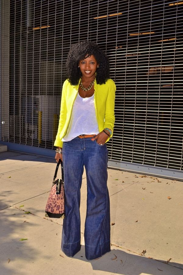 Let's Bring the 70s Back! Here Are 25 Ways to Wear Flared Jeans …