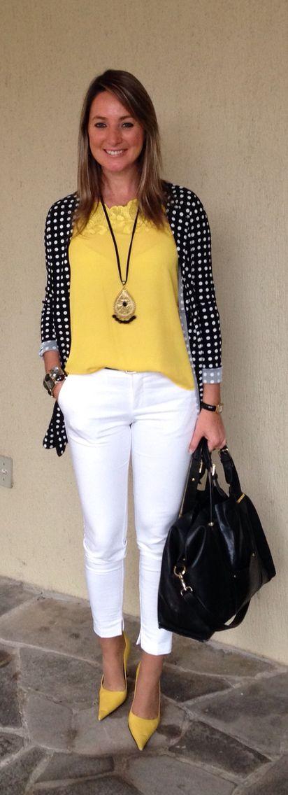 Look do dia – look de trabalho – moda corporativa – calça branca – blusa amarel…
