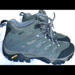 Merrell Periwinkle Gore Tex Hiking Boots Size 9 Preowned like new Merrell Gore T...