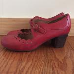 Miz Mooz Women's Leather Shoes Miz Mooz Women's leather shoes, size 9 Some w...