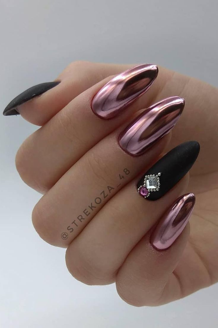 Nails Design: Night Entertainment for 42 Festive and Bright Nail Art Ideas For New 2019 – Page 37 of 42
