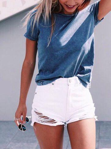 Outfits que están esperando a que te animes a usar Shorts Blancos