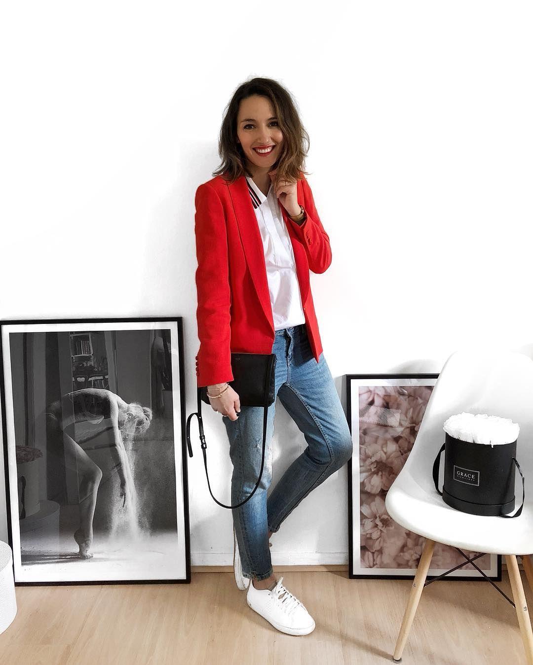 R e d ❤️ #outfit #outfitoftheday #smile #smilepower #red   Blazer Sarina
