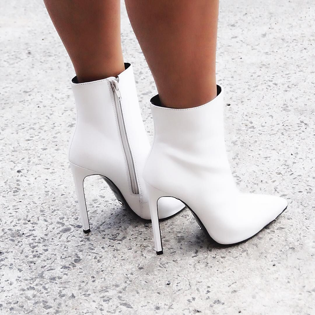 Say yes to white boots. #freddieboot x #tonybianco""