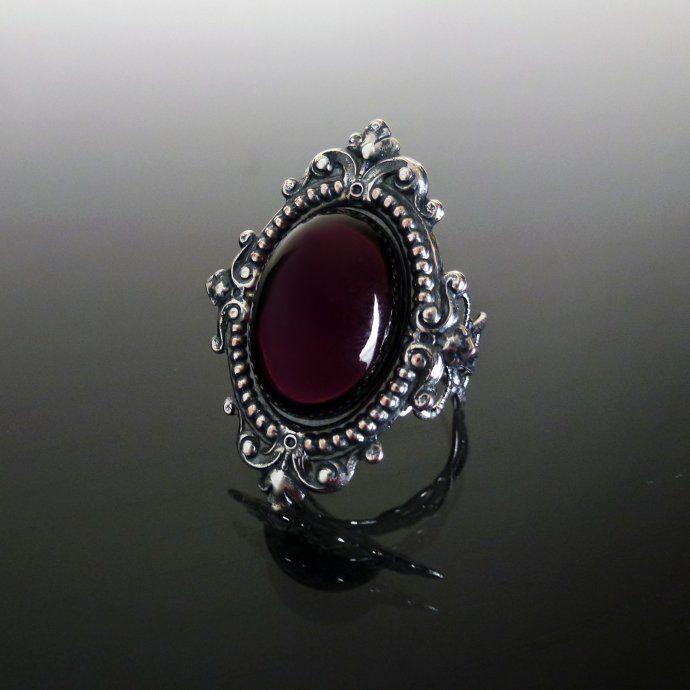 Sinistra Amethyst Purple Gothic Ring by Dark Elegance Designs