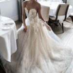 Stunning White Appliques Lace Chiffon Sweetheart Sleeveless Strapless Sexy Wedding Dress,Bridal Gown