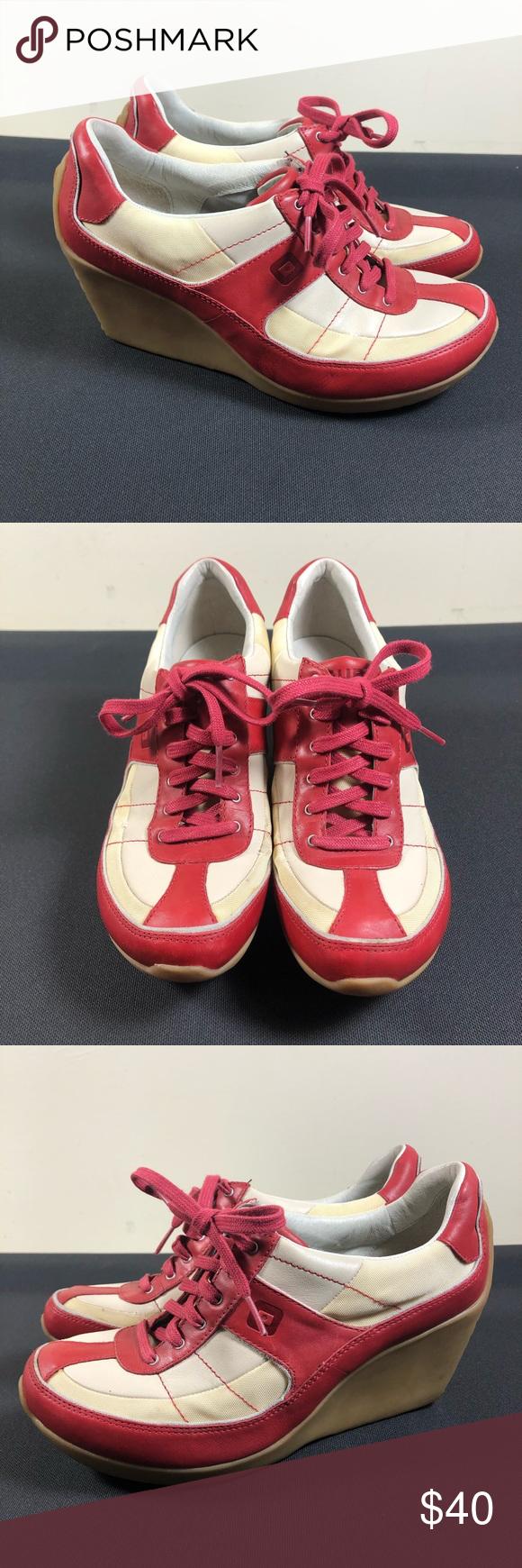 TSUBO Wegde Shoe. TSUBO Wegde sneaker shoe. Preowned. Size 8.5 in very good cond…